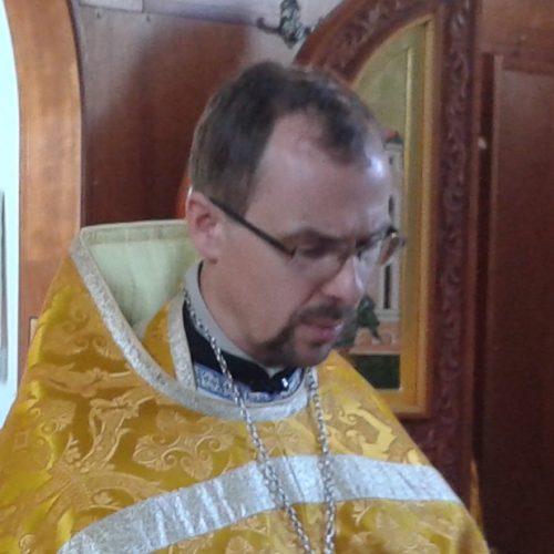Священник Андрей Сычёв